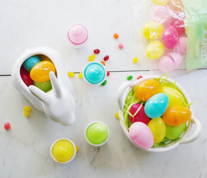 Want to decorate your house for Easter on a budget? Here are all my favorite Target dollar section finds including ceramic bunnies and baskets! #target #easterdecorations #easter